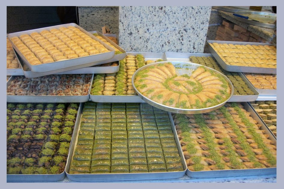 Baklava - Top 10 Souvenirs To Buy in Istanbul